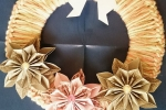 Ghirlanda fuoriporta fiori origami