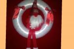 Ghirlanda natalizia piatta dietro diametro 20 cm con al centro uno gnomo