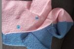 Giacchina per neonata a punto legaccio metà rosa e metà azzurro
