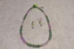 Girocollo e orecchini di giada colorata e cristalli swarosk