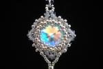 Girocollo punto luce cristallo e perline