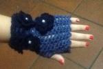 Guanti da donna realizzati in lana con applicazioni