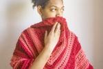 "Scialle baktus triangolare ""Coral"" handmade crochet, rosso"