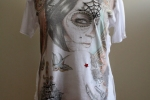 Lady T: T-shirt stampata ricamata a mano