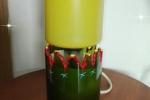 Lampada creata da due bottiglie di vetro