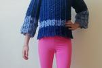 Maglia Amira all'uncinetto in due colori blu e azzurro