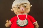 Mamma Natale fatta a mano all'uncinetto, altezza 30 cm