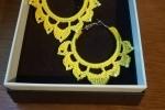 Orecchini a cerchio colore giallo