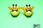 Orecchini a chiodino con giraffe in fimo