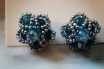 Orecchini creati a mano con perline in vetro e Agata azzurra