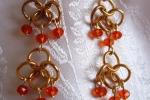 Orecchini chainmail, cristalli arancioni, pietra di luna