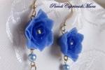 Orecchini con fiore blu in pasta di mais