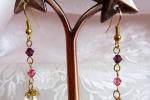 Orecchini con perla rosa e cristalli Swarovski rosa e viola