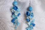 Orecchini con perle e fiori azzurri in pasta di mais