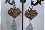 Orecchini con cuore di perline e pietre quarzo azzurre