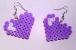 Orecchini cuori lilla con hama beads e perline