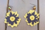 Orecchini fiore in vera pelle