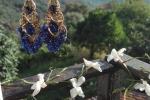 Orecchini impreziositi stile bollywood blu e oro