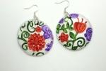 Orecchini in ceramica dipinti a mano rotondi con fiori
