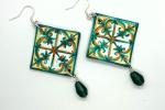 Orecchini in ceramica dipinti a mano rombo toni verde