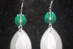 Orecchini in resina di color grigio con sfere verde acqua ♥