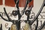 Orecchini in resina epossidica di color nero e oro ♥️✨.