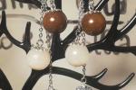 Orecchini in resina di colore viola, bianco e marrone ♥️✨.