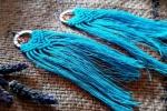 Orecchini macrame in cotone azzurro con perline colorate