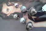Orecchini perle vetro grigio