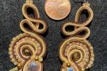 Coppia orecchini color panna/tabacco/oro