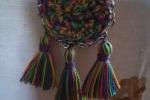 Orecchini all'uncinetto multicolor con nappine
