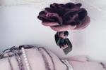 Bambolina realizzata a forma di fiore