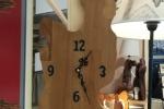 Orologio da parete realizzato in faggio lamellare