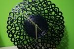 Orologio da parete fatto di cartoncino colorato total black
