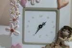 Orologio in legno con decorazione a mano in fimo