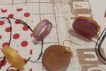 Parure viola giallo - pendenti e anello