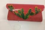 Pochette dipinta a mano con pianta grassa