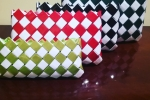 Pochette di carta in varie tonalità e grandezze