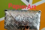 Pochette colore argento creata con le bustine delle cialde del caffè