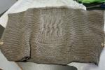 Poncho in lana con bottoni di legno