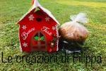 Porta torte natalizio a forma di casetta