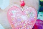 Portachiavi in resina a forma di cuore