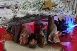 Presepe montato su base legno porta-candela