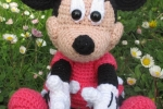 Amigurumi Minnie realizzato interamente a mano