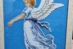 Quadro a punto croce angelo con toni pastelli