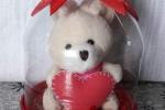 Regalo San Valentino fatto a mano con bracciale e portachiavi peluche