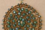 Rosoni gioiello all'uncinetto, con cristalli da 4mm e 6mm