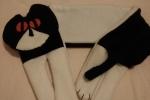 Scaldacollo in pile a forma di gatto bianco e nero