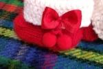 Scarpine e babbucce natalizie realizzate interamente in pura lana baby