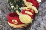 Scarpine neonato uncinetto simil converse gialle e rosse